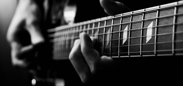 Guitar Lesson: Fretting Hand Position