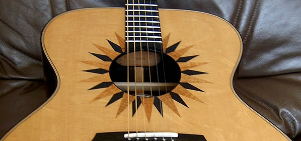 Avalon Eclipse Super Jumbo J320E Acoustic Guitar Review