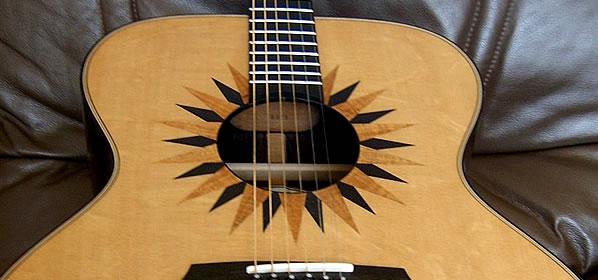 Avalon Eclipse Super Jumbo J320E Acoustic Guitar Review