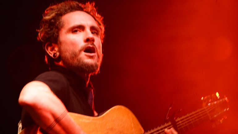 Amazing Acoustic Playing – John Butler Trio